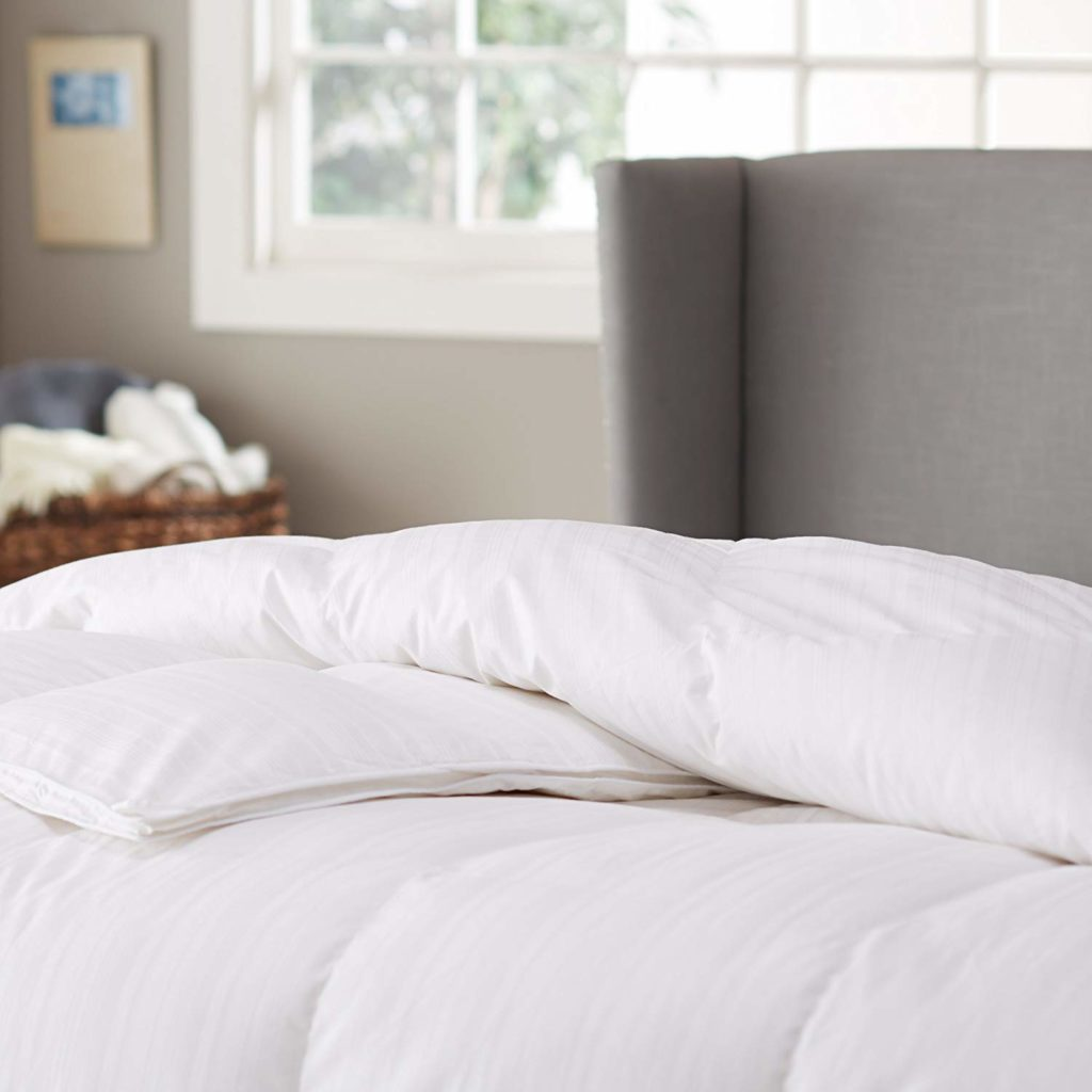 Pinzon Signature Pyrenees Hypoallergenic Goose Down Comforter